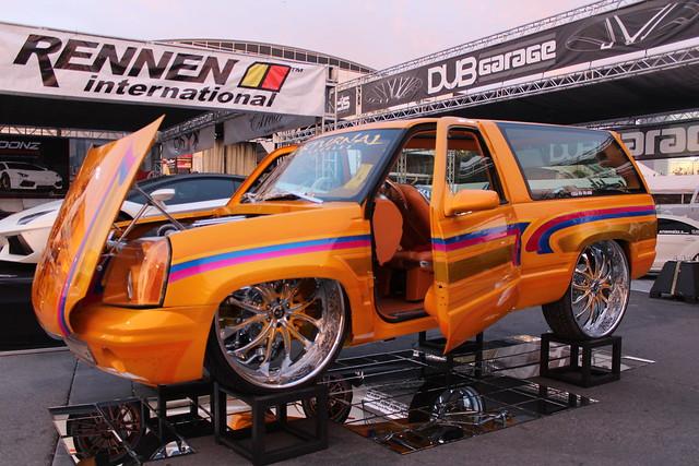 "Custom Paint Lowrider: Lowrider Chevrolet Blazer Orange Custom Paint 30"" Rims"