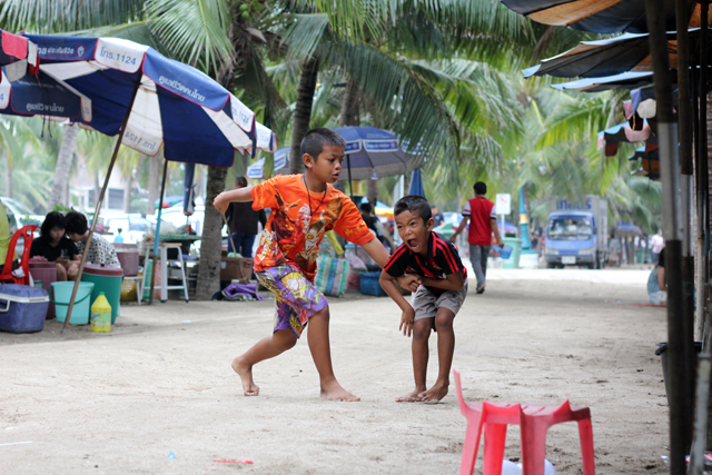 Kids playing at Bang Saen beach