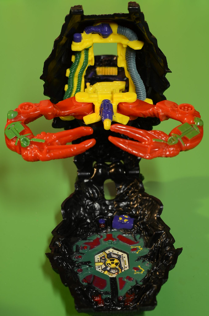 Mighty Max - Strings the Scorpion