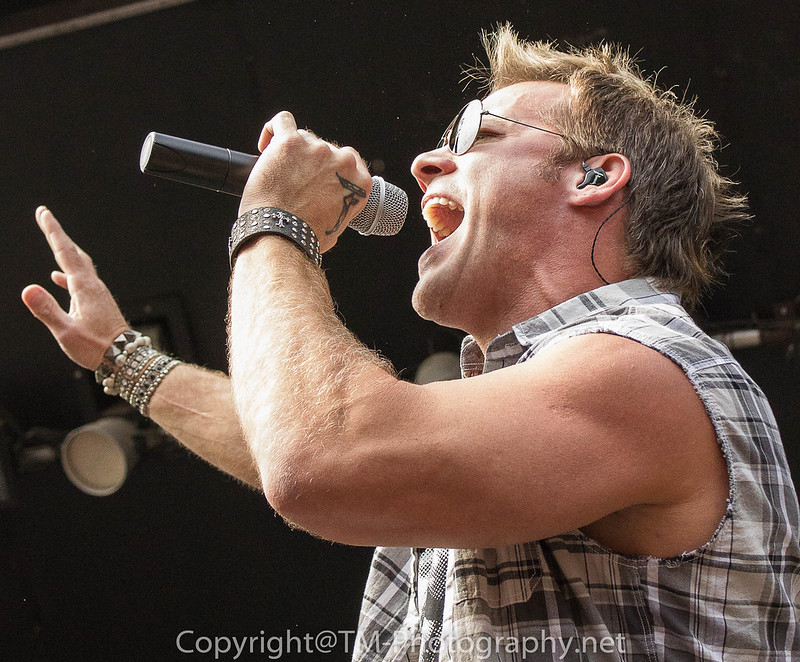 Chris Jerico with Fozzy