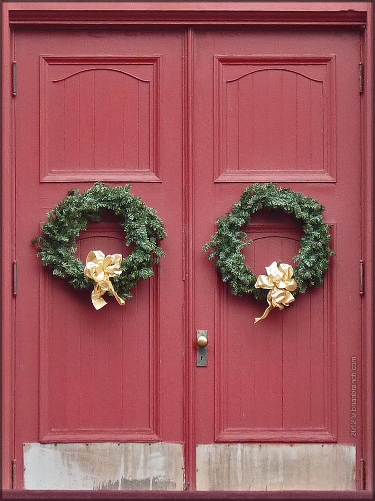 P1290494_double_doors