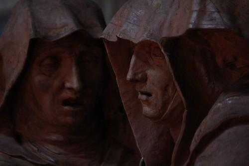 Bologna, Basilica di Santo Stefano: particolare di statue