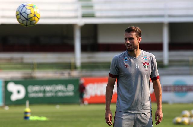Fluminense faz última atividade na véspera de jogo contra Chapecoense