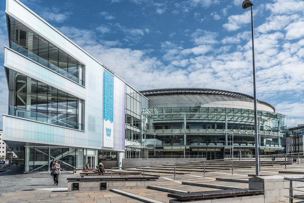 THE WATERFRONT HALL IN BELFAST [WITH NEW EXTENSION]-121115