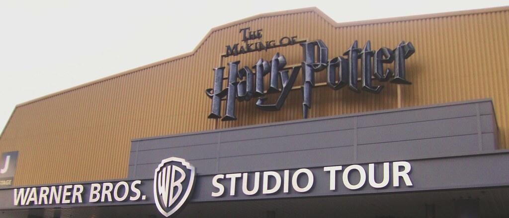 HP Studio Sign