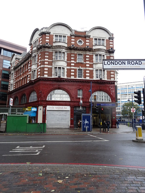 263 - Elephant & Castle Station