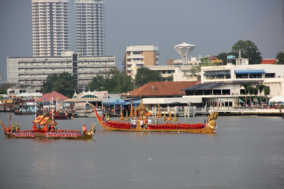 Royal Barge Anantanakkharat glides though the river
