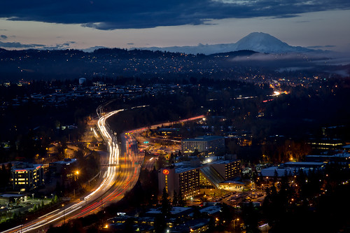 seattle longexposure morning blue orange mountain fog night clouds sunrise dawn washington traffic cloudy hilton freeway commute mountrainier bellevue interstate405 canonefs1755mmf28isusm