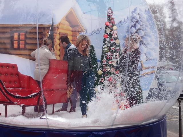 Giant Snow Globe @ Paris
