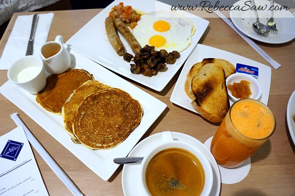 Just Heavenly Cafe - ridiculously large breakfast-006