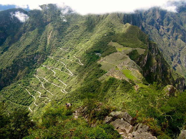 view from top of wayan picchu