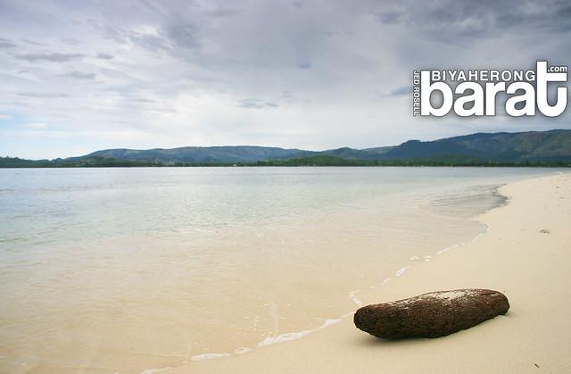 Isolated beac potipot island zambales