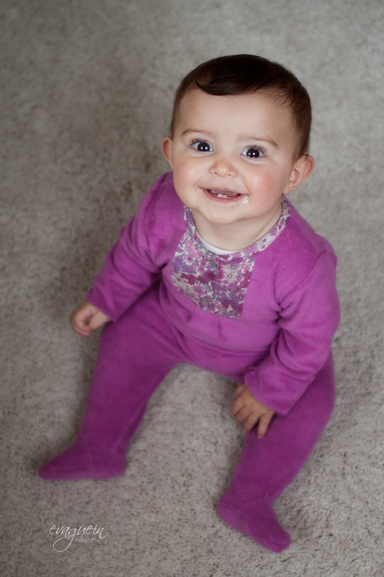 20121025Amanda-pijama-morado-habitac-alf-y-cama-hola001-R3-BLOG