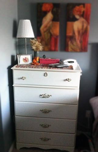 original-dresser