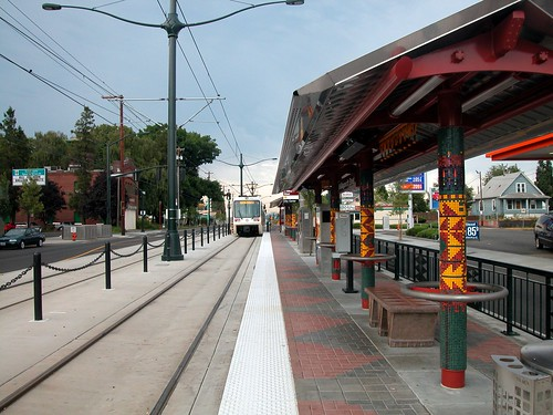Public Transit 20040814 22 Portland MAX Killingsworth Ave.