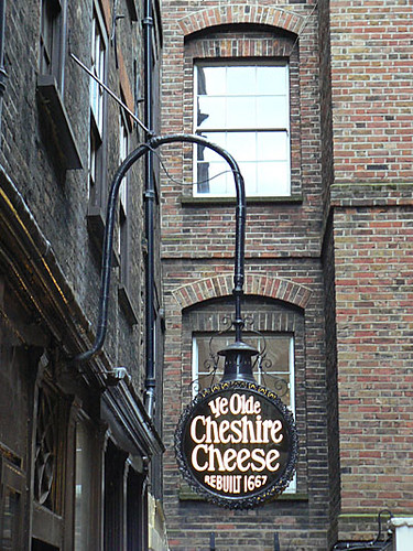 ye old cheshire cheese.jpg