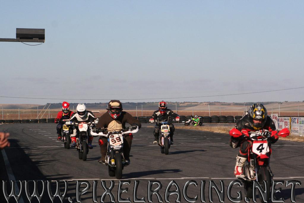 Circuito Fk1 : Tercera resistencia invernal de disfraces en el circuito