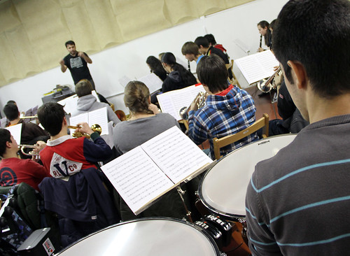 ENSAYANDO - BANDA DE MÚSICA JJMM-ULE - 8.12.12