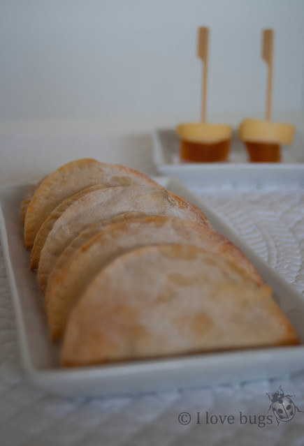 Empanadillas de queso con membrillo
