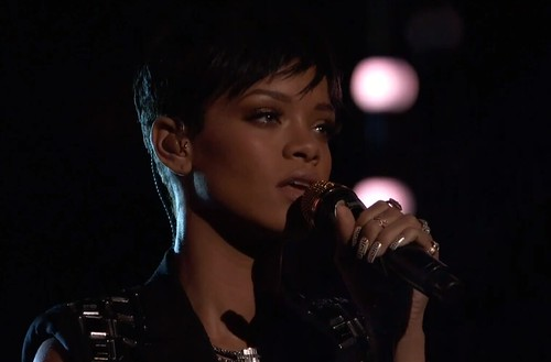 rihanna-the-voice