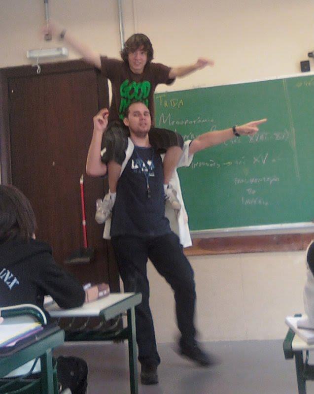 Mauricio Ulisses Trida em sala de aula