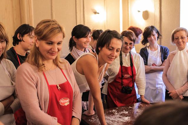8168939673 cbd9bb486f z Poze si impresii de la atelierele de paine din Bucuresti