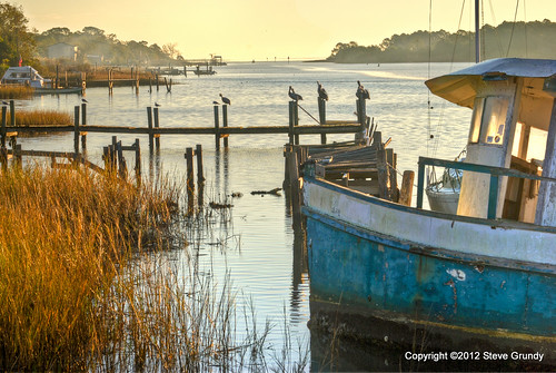 morning usa pelicans water docks sunrise reflections boats dawn early fishing unitedstates florida south southern marsh ripples eastpoint apalachicola gulfcoast apalachicolabay theforgottencoast floridapanhandle