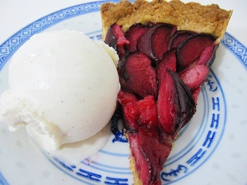 Black plum tart ala mode