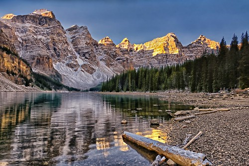 canada sunrise reflections dawn bravo alberta daybreak morainelake valleyofthetenpeaks tenpeaks simplysuperb