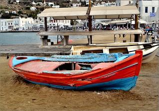 صورة Megali Ammos Beach (Μεγάλη Άμμος) Megali Ammos. beach boat greece mykonos afsdxnikkor1855mmf3556gvr iamnikon d3100 nikond3100