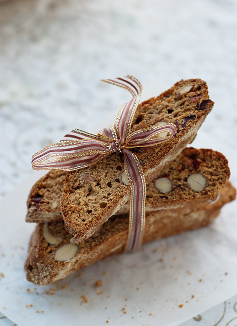 hobbit Beorn honey cakes/ey cranberry almond cantucci