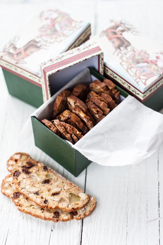 Dried fruit cookies - Biscotti di frutta secca