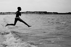 [Free Images] People, Children - Little Boys, Jump, People - Sea / Ocean, Black and White ID:201212190400