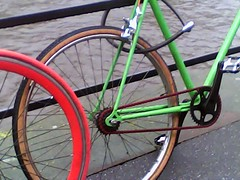 Red chain on green bike <3