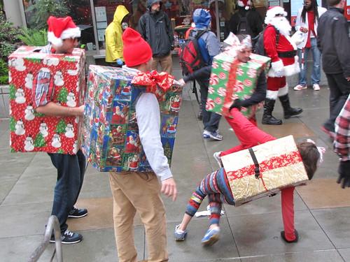 SF Santacon: Breakdancing Gifts