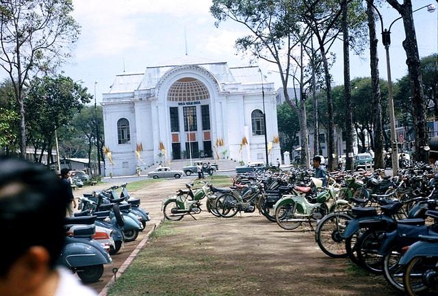 Saigon 1965 - Nhà Văn Hóa - Công trường Lam Sơn - Photo by Jordan, 7/65-3/66