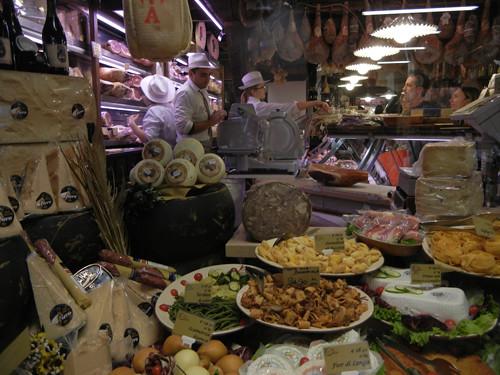 DSCN3518 _ Shop near Albergo delle Drapperie, Bologna, 16 October