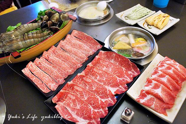[台北食記]*金鍋盃小火鍋 ~ 比臉還大的巨蝦真的好酷‧牛奶起士鍋煮海鮮最讚!