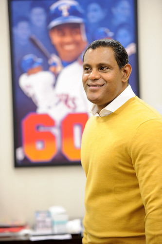 8288096766 30ae8dfb2b These Sammy Sosa pics are creepy yet oddly fascinating