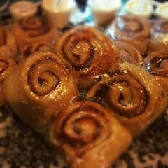 pretzel(0.0), baked goods(1.0), cinnamon roll(1.0), food(1.0), cuisine(1.0), snack food(1.0), danish pastry(1.0),