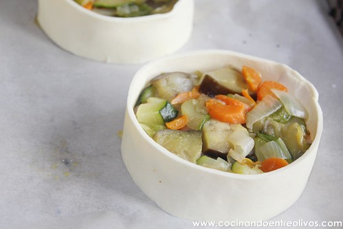 Pechuga de pollo en hojaldre con salsa de pistachos (20)