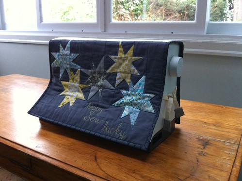Sewing machine cover by Poppyprint