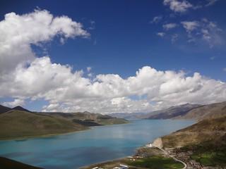 Lago Yamdrok no Tibete