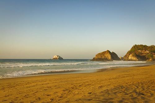 Playa Zipolite Xmas 2012 by barbdpics