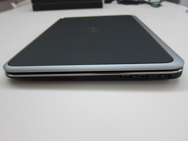 Dell XPS 12 - Right View