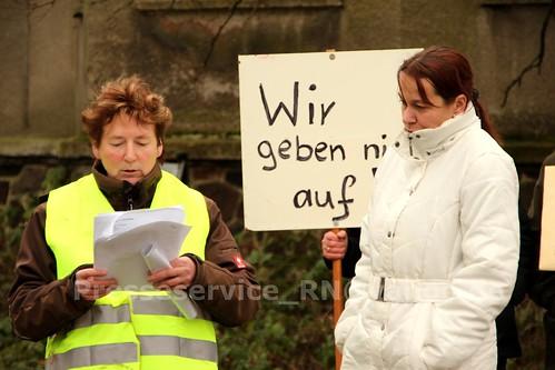 2012.12.29 Stendal OT Insel Buerger_innen und NPD (1)