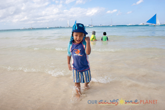 Swimming in Boracay-27.jpg