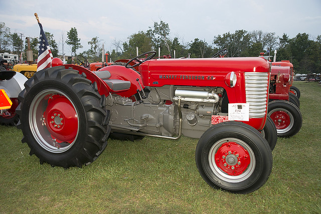 1959 Massey Ferguson 50 Tractor : Flickr photo sharing
