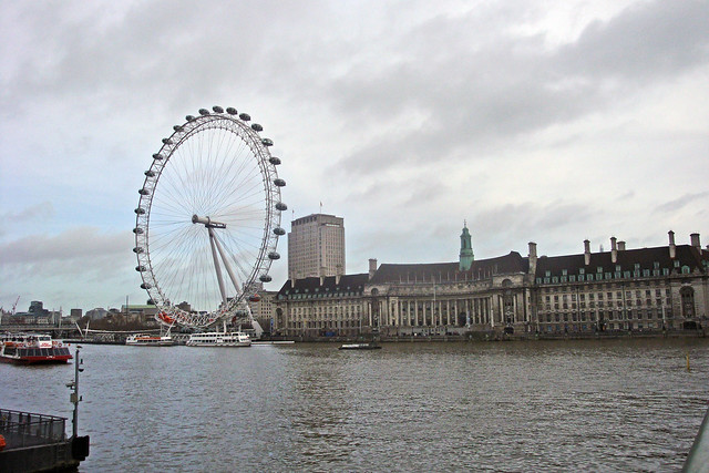 London Eye in rainy weather.jpg