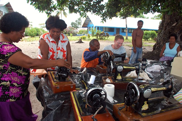 Sewing machine day, Luf island